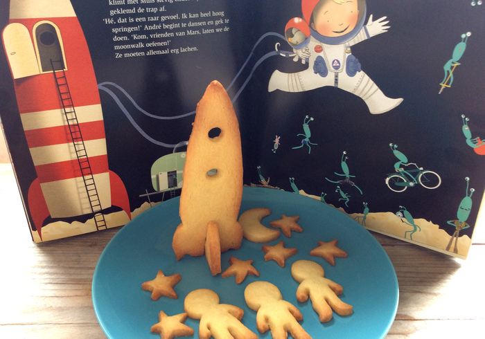 Baking space cookies